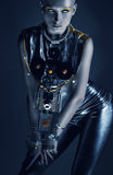 Seksowna dziwaczna astronautyczna kobieta w zmroku Obrazy Stock