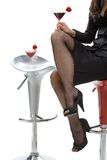 Seksowna kobieta iść na piechotę w szpilkach przy koktajlu barem Obrazy Stock