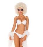 Seksowna kobieta jest ubranym białego bikini Fotografia Stock