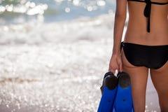 Seksowna kobieta przygotowywająca nurkować Zdjęcie Stock