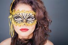 Seksowna kobieta z karnawał maską zdjęcie stock