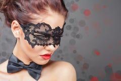 Seksowna kobieta z karnawał maską zdjęcia royalty free