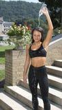 Seksowna młoda brunetki kobiety sprawność fizyczna outside Zdjęcie Royalty Free