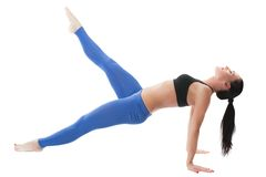 Seksowna młoda joga kobieta robi yogic ćwiczeniu Fotografia Royalty Free