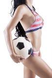Seksowna wzorcowa przewożenie piłki nożnej piłka Zdjęcie Stock
