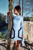 Seksownej pięknej kobiety ciemnej brunetki odzieży mody włosiany styl Zdjęcia Stock