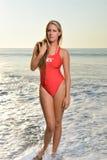 Seksowny żeński ratownik na plaży Fotografia Royalty Free