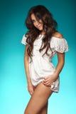 Seksowny brunetki piękna pozować fotografia stock