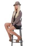Seksowny kobiety obsiadanie na prętowym krześle Fotografia Stock