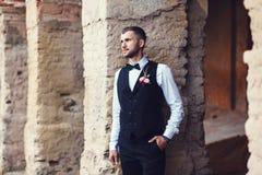 Seksowny mężczyzna fornal w kamizelce Zdjęcie Royalty Free