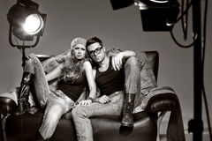 Seksowny mężczyzna i kobieta robi mody sesja zdjęciowa. Obrazy Stock