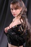 Seksueel meisje in een jasje Royalty-vrije Stock Fotografie