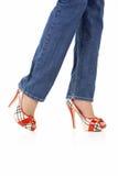 Seksuele vrouwelijke benen in jeans stock foto's