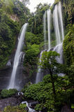Sekumpul-Wasserfall in Nord-Bali, Indonesien lizenzfreie stockfotos