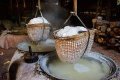 Sel de ébullition montagneux de Nan Province, Thaïlande Images libres de droits