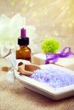 Sel de Bath avec du savon et l'huile essentielle Photo stock