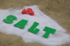 Sel naturel de mer avec le caractère vert de sel Photos libres de droits