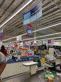 Selangor, Malaysia - 18. September 2017: Lebensmittelgeschäfteinkaufen bei Tesco Bandar Puteri, nahe Bukit Mahkota und Bandar Ser Stockbilder