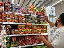 Selangor, Malaysia - 18. September 2017: Lebensmittelgeschäfteinkaufen bei Tesco Bandar Puteri, nahe Bukit Mahkota und Bandar Ser Stockbild