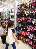 Selangor, Maleisië - 18 September 2017: Kruidenierswinkels die in Tesco Bandar Puteri, dichtbij Bukit Mahkota en Bandar Seri Putr Royalty-vrije Stock Fotografie
