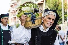 SELARGIUS, ITALIË - 2015 13 September: Vroeger huwelijk Selargino - Sardinige Stock Foto's