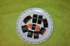 Selbst gemacht, Sushi-Maki lizenzfreies stockfoto