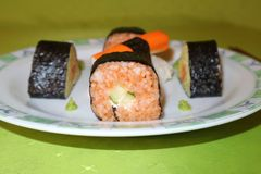 Selbst gemacht, Sushi-Maki lizenzfreie stockfotografie