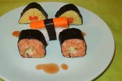 Selbst gemacht, Sushi-Maki stockbild