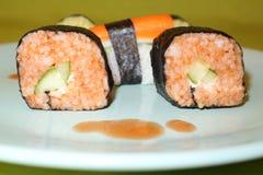 Selbst gemacht, Sushi-Maki stockfotos