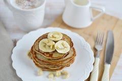 Selbst gemachte Bananen-Acajoubaum-Pfannkuchen Lizenzfreies Stockbild
