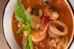 Selbst gemachte Calamari Fagioli-Suppe Lizenzfreies Stockbild
