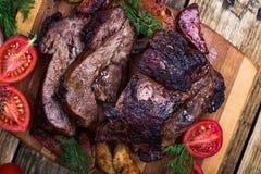 Selbst gemachte gebratene Rindfleischschulter stockfotos