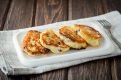 Selbst gemachte Hüttenkäse-Pfannkuchen Stockbilder