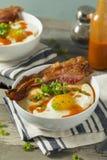 Selbst gemachte käsige Frühstücks-Körner lizenzfreie stockfotos