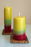 Selbst gemachte Kerzen - Handwerk leuchtet Reihe durch Stockfoto