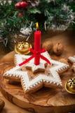 Selbst gemachte Lebkuchenkerze für Weihnachten lizenzfreies stockfoto