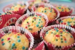 Selbst gemachte Muffins, bunt, Stockfotos
