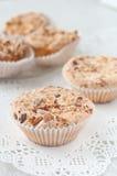 Selbst gemachte Muffins mit Mandarinen Stockfotografie