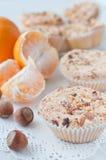 Selbst gemachte Muffins mit Mandarinen Stockfoto