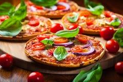Selbst gemachte Pizza Stockfotos