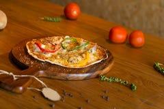 Selbst gemachte Pizza Lizenzfreies Stockfoto