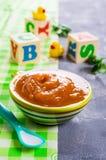 Selbst gemachte Säuglingsnahrung lizenzfreies stockbild
