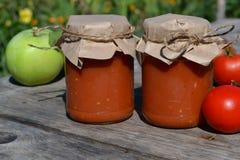 Selbst gemachte Tomatensauce stockfoto