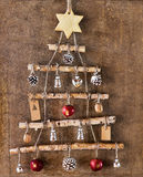 Selbst gemachte Weihnachtsbaumdekoration im Rahmen lizenzfreies stockbild