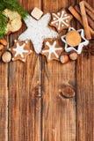 Selbst gemachte Weihnachtsplätzchen und -gewürz Stockfotografie