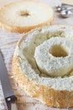 Selbst gemachter Angel Food Cake zu füllen Lizenzfreies Stockbild