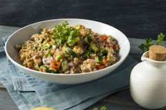 Selbst gemachter Bulgar-Weizen-Salat lizenzfreies stockbild