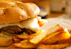 Selbst gemachter Burger Stockfotos