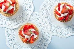 Selbst gemachter Erdbeere-Kuchen Lizenzfreies Stockfoto