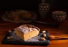 Selbst gemachter frangipane Kuchen stockfoto